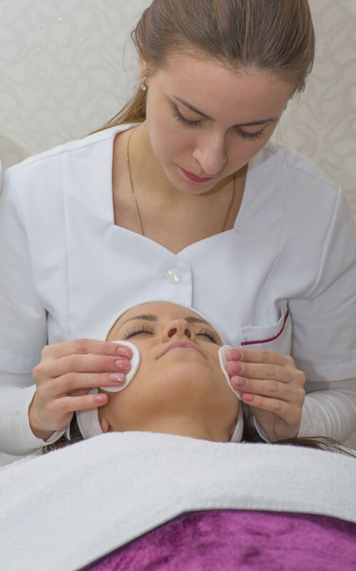 Beautician Courses London – Enquire Today